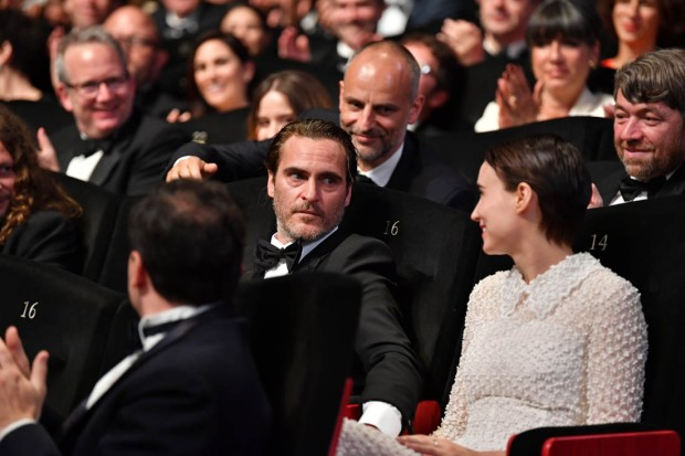 Joaquin Rooney cannes audience look