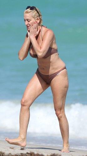 rhonyc dorinda bikini pic