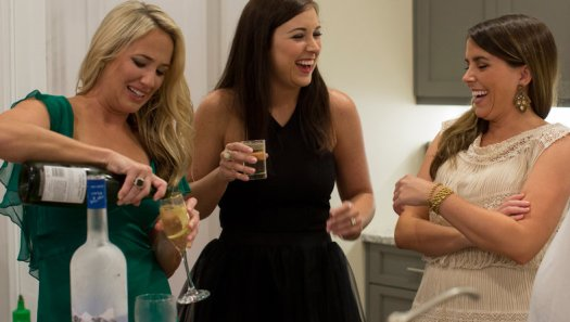 SOUTHERN CHARM SAV catherine happy hannah pouring drinks
