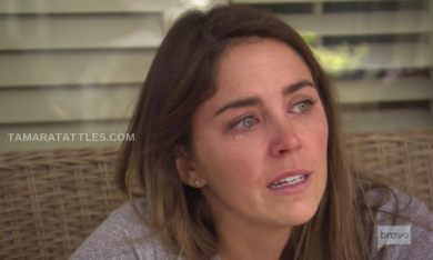 SOUTHERN CHARM SAV hannah crying on porch